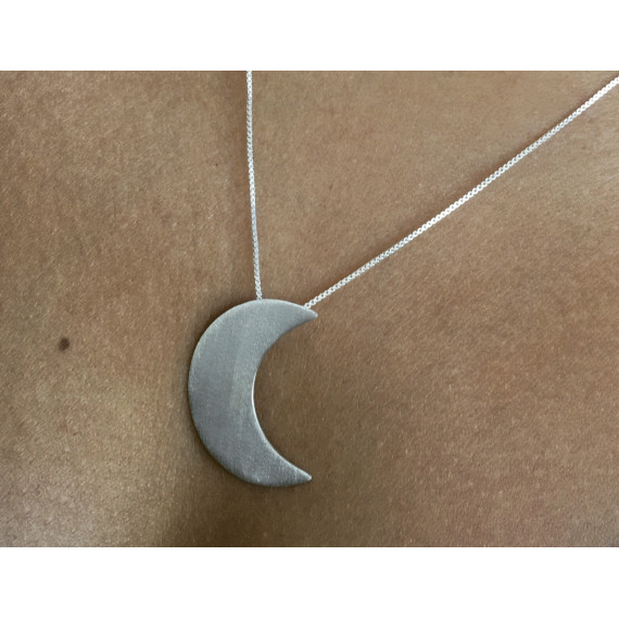 Colar meia lua em prata na corrente 0,45 com