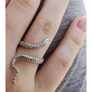 Anel cobra em prata aberta.