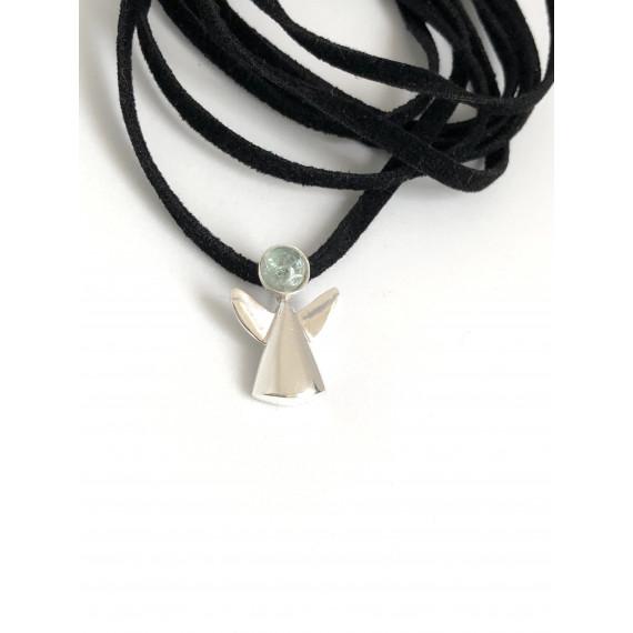 Colar anjinho com água marinha natural, tamanho do anjinho 2,0 cm acompanha camurça preta com 1,20 cm